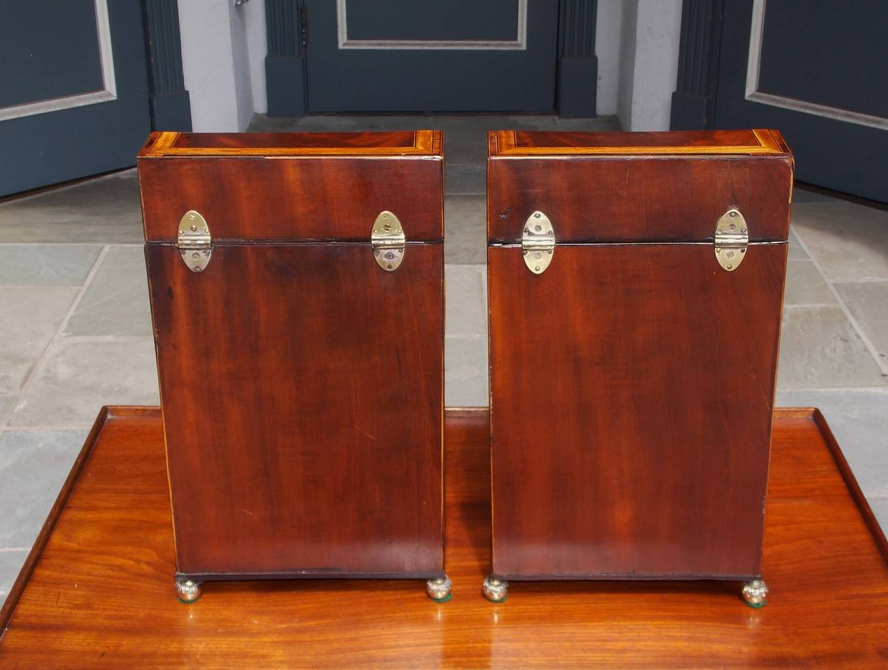 Pair of American Mahogany Inlaid Cutlery Boxes Charleston, SC, Circa 1790 For Sale 5