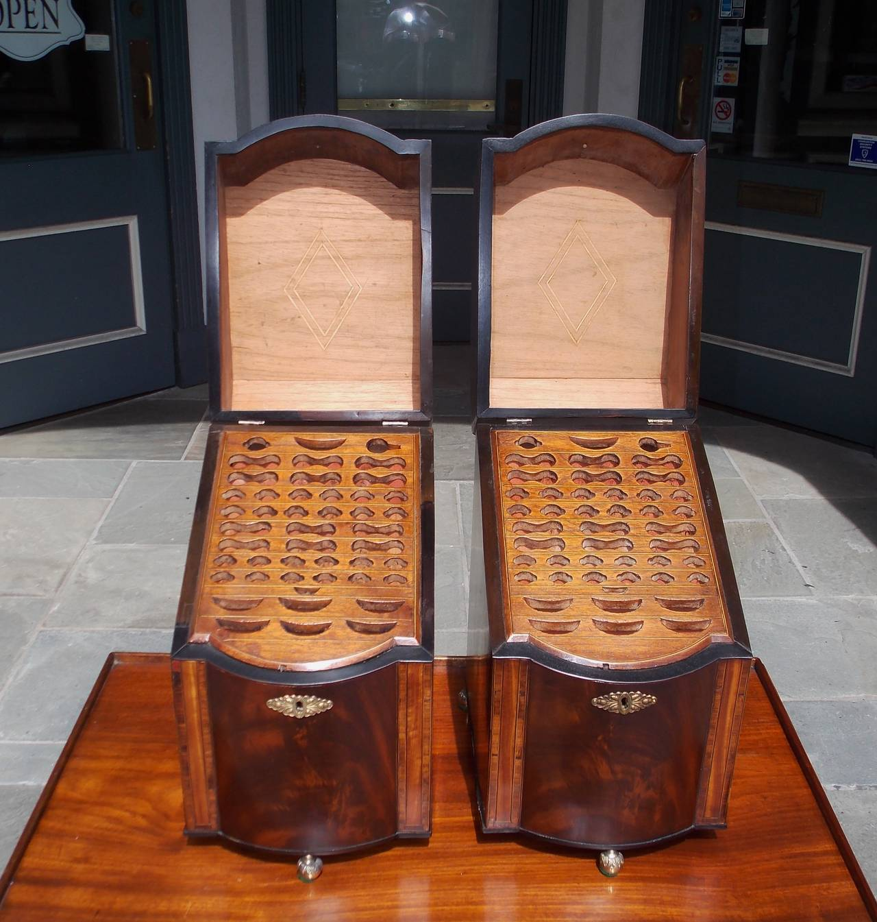 Late 18th Century Pair of American Mahogany Inlaid Cutlery Boxes Charleston, SC, Circa 1790 For Sale