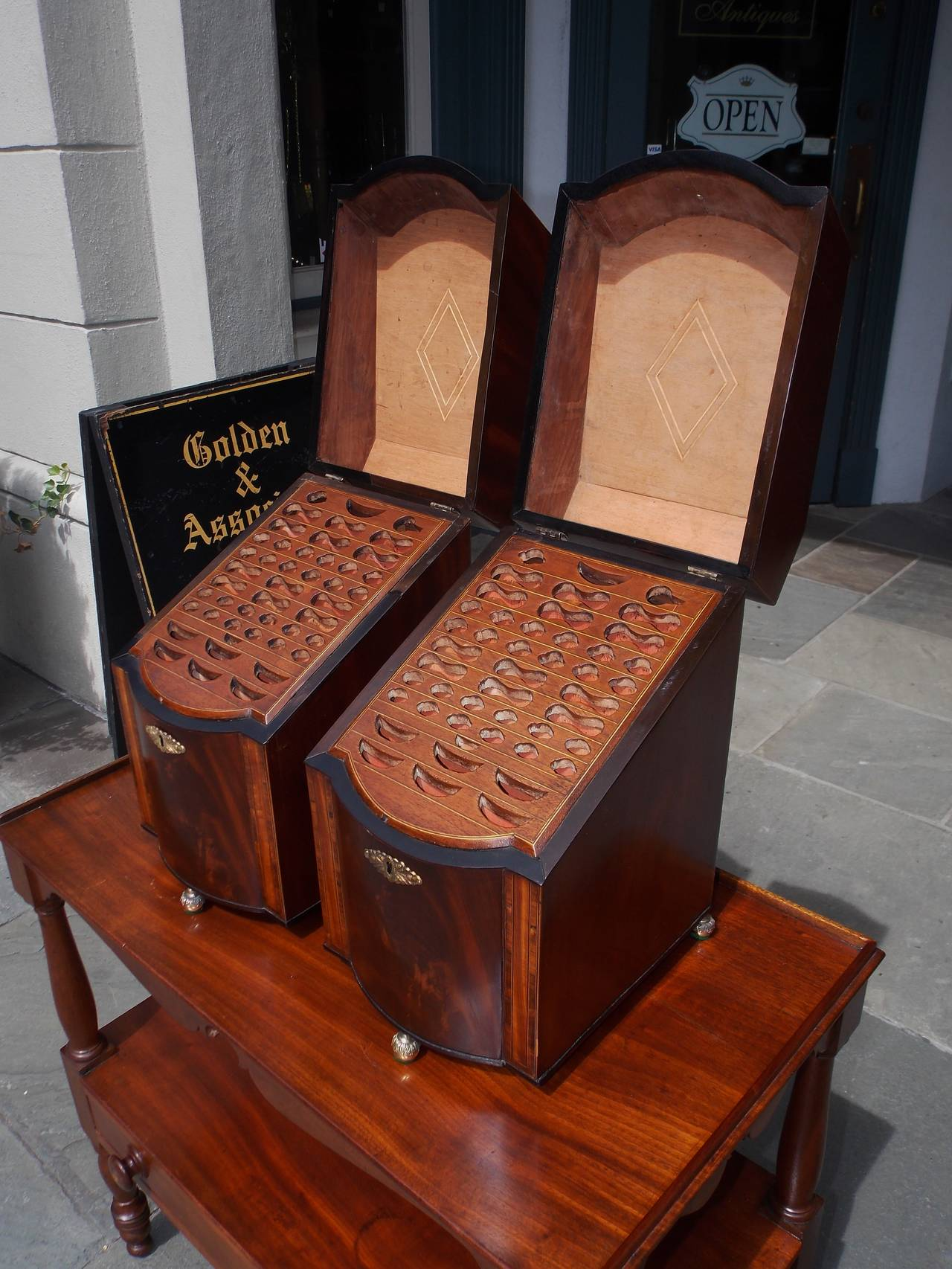 Pair of American Mahogany Inlaid Cutlery Boxes Charleston, SC, Circa 1790 For Sale 1