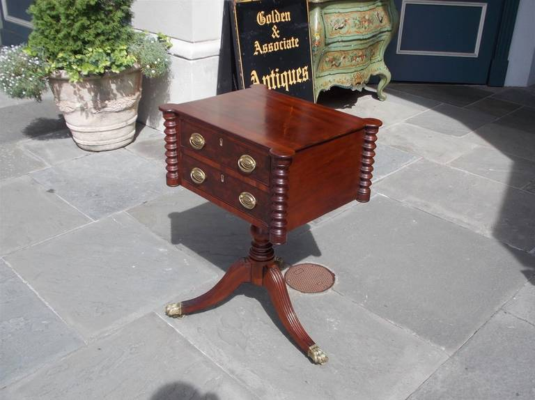 American Mahogany Two-Drawer Work Table, Boston, Circa 1810 In Excellent Condition For Sale In Charleston, SC