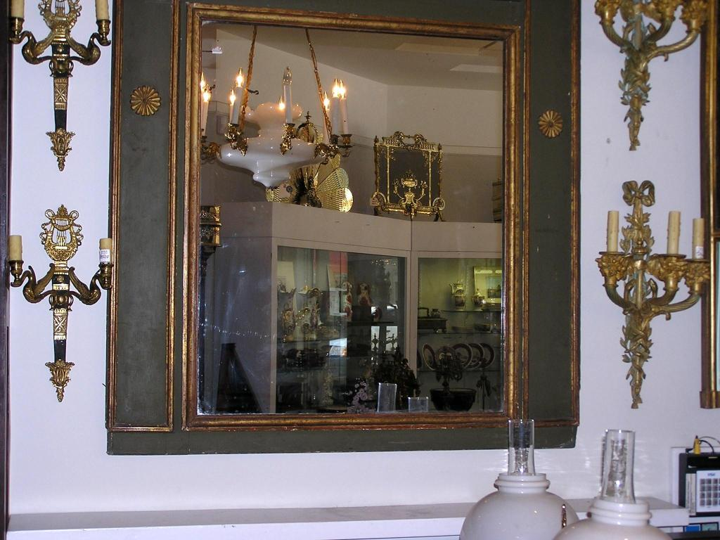 French Painted and Gilt Trumeau Mirror For Sale 2