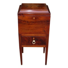 American Mahogany Hinged Bottle Box.. Coastal Maryland / Virginia  Circa 1810-20