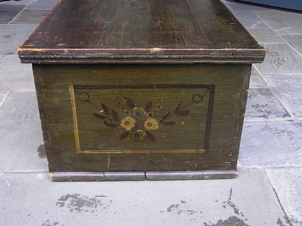 American Pine Painted Blanket Chest For Sale 5