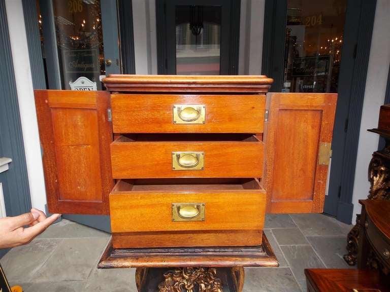 English Mahogany Campaign Medical Box. Circa 1830 For Sale 4