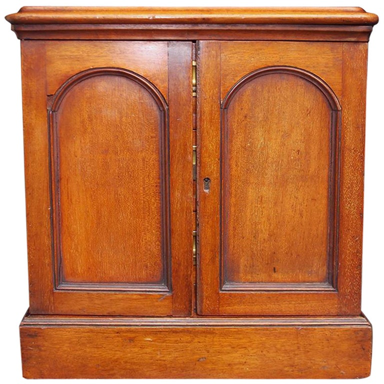 English Mahogany Campaign Medical Box. Circa 1830 For Sale