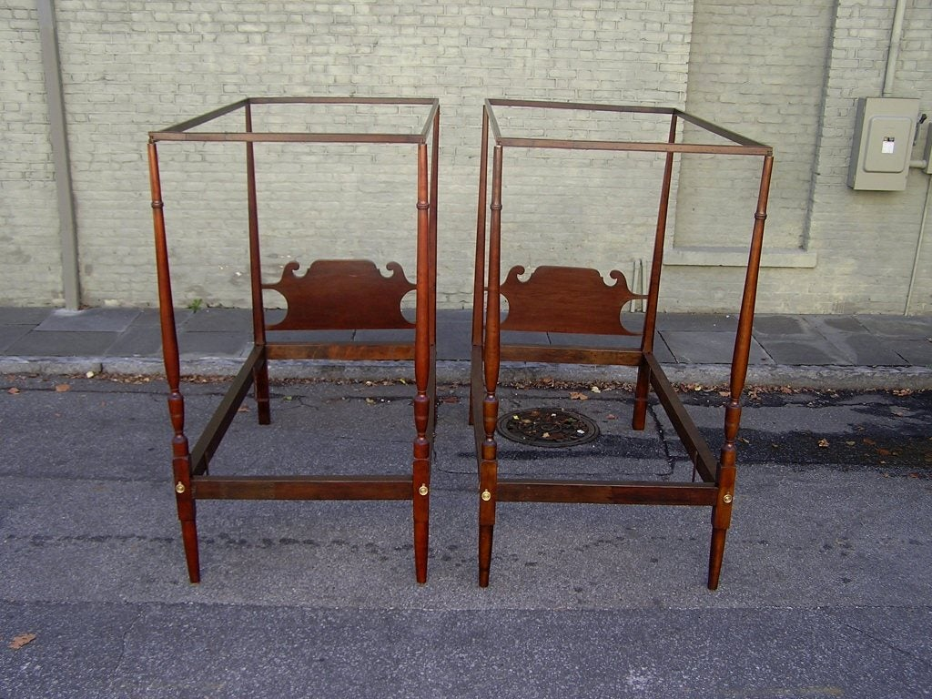 pair of american twin tester beds for sale at 1stdibs. Black Bedroom Furniture Sets. Home Design Ideas