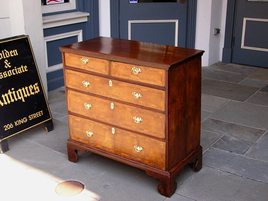 English Walnut Chest of Drawers In Excellent Condition For Sale In Charleston, SC