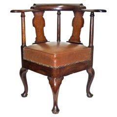 Early 18th Century George I Walnut Roundabout Corner Chair