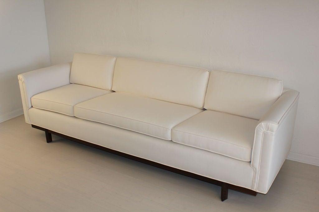 Heritage Henredon Sofa by Frank Lloyd Wright 5