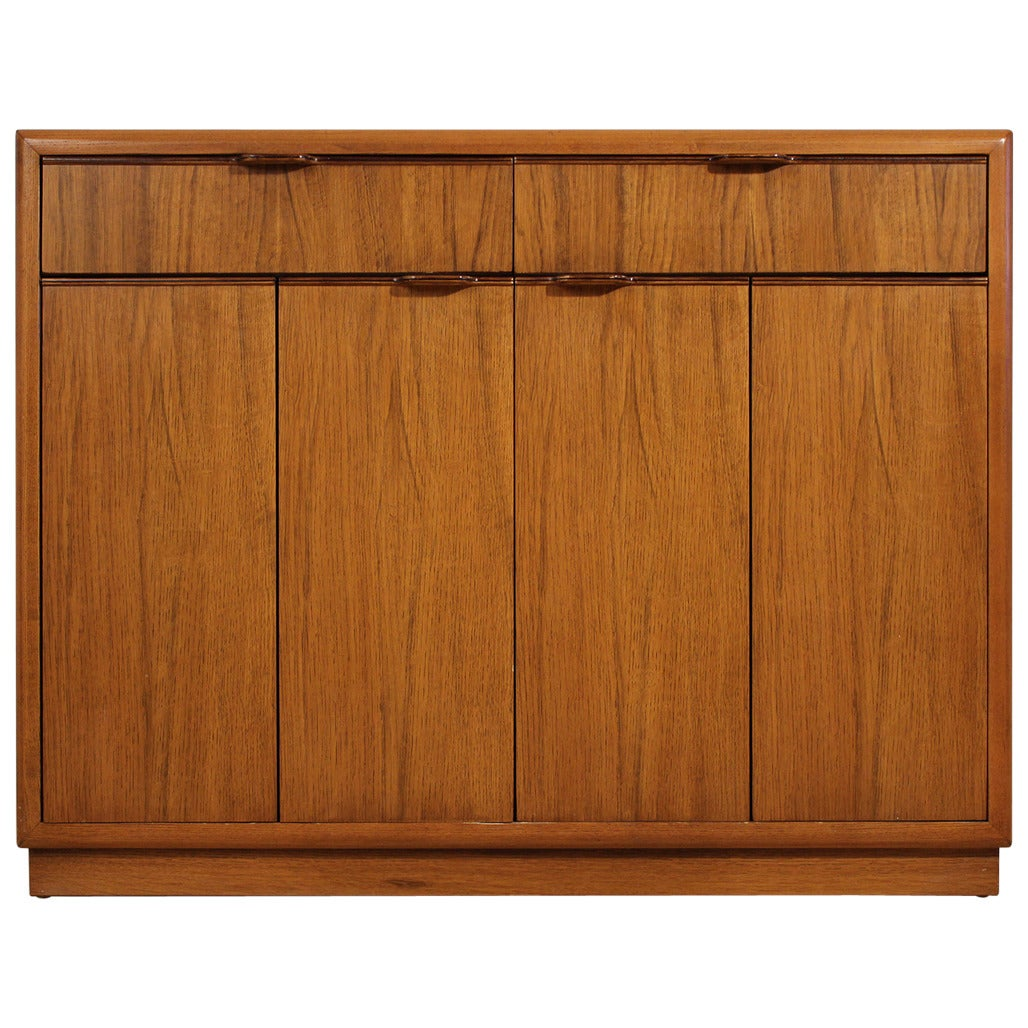 Drexel expandable dry bar cabinet at 1stdibs for Home dry bar furniture
