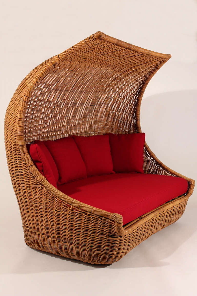1960s rattan lounge sofa at 1stdibs. Black Bedroom Furniture Sets. Home Design Ideas