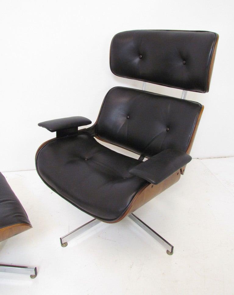 Mid Century Leather And Walnut High Back Swivel Lounge