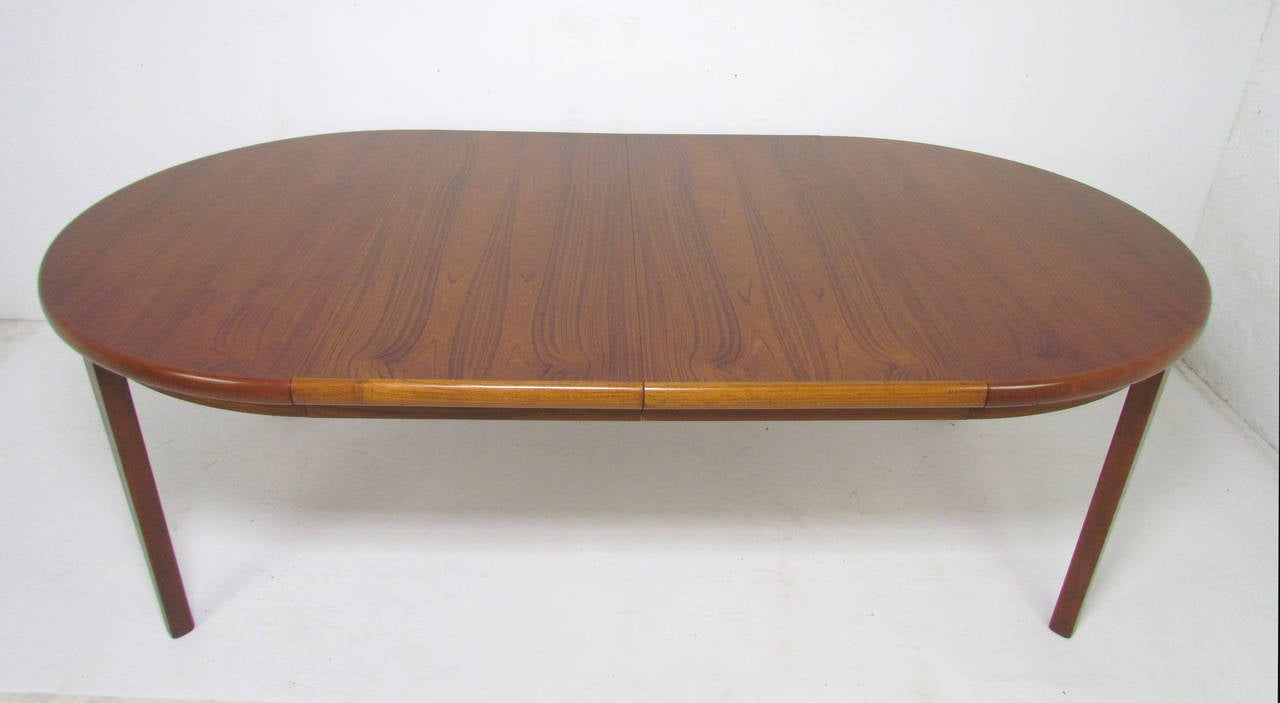 Round expandable dining room table for Expandable dining table