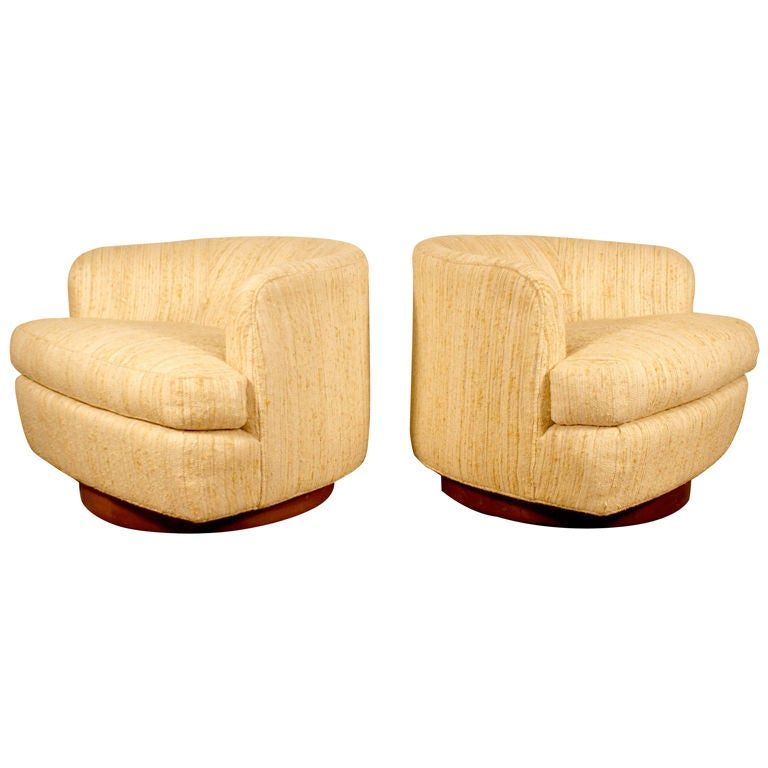 pair of swivel tub lounge chairs by milo baughman at 1stdibs