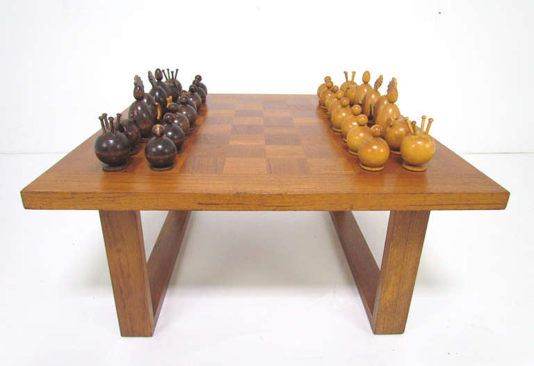 Great Danish Teak Checker Board Coffee Table By Cado With Carved Modernist Chess  Set 2