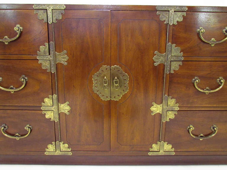 Asian Inspired Campaign Long Chest of Drawers by Henredon In Good Condition For Sale In Peabody, MA