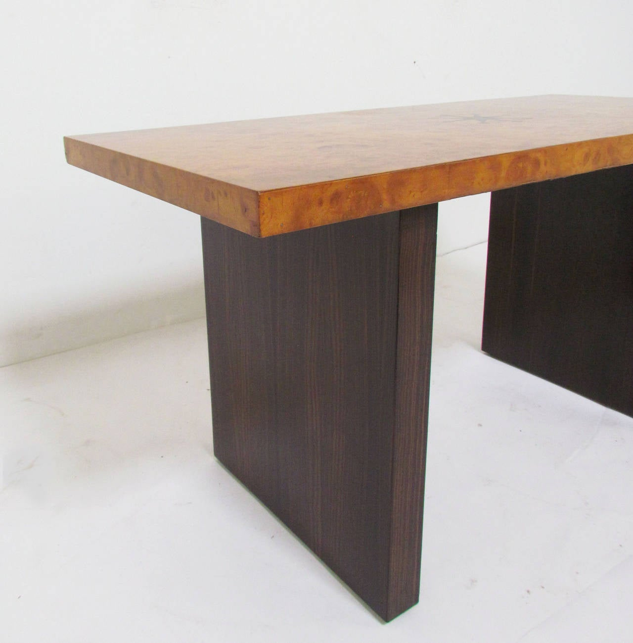 Mid-20th Century Inlaid Burl Wood and Macassar Bench or Occasional Table by Andrew Szoeke For Sale