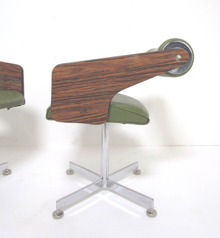 American Mid Century Modern Atomic Age Small Patio Round: Set Of Four Space Age Swivel Dining Chairs By Luigi Tiengo