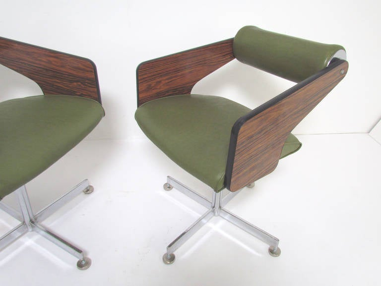 Set Of Four Space Age Swivel Dining Chairs By Luigi Tiengo