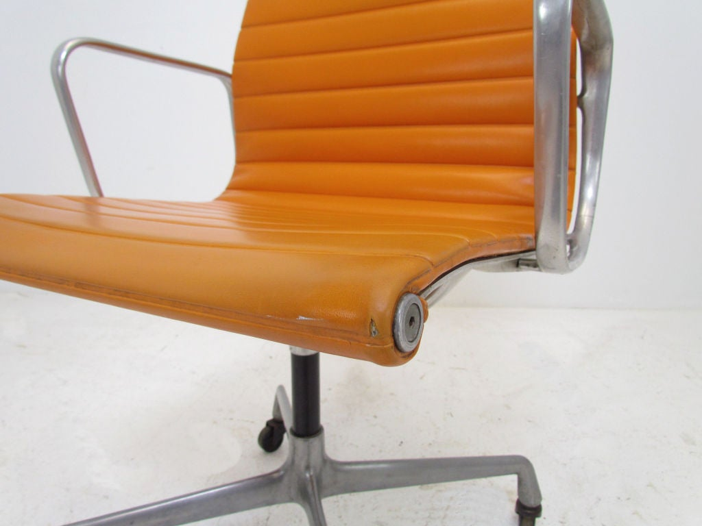 this vintage aluminum group eames management chair for herman miller