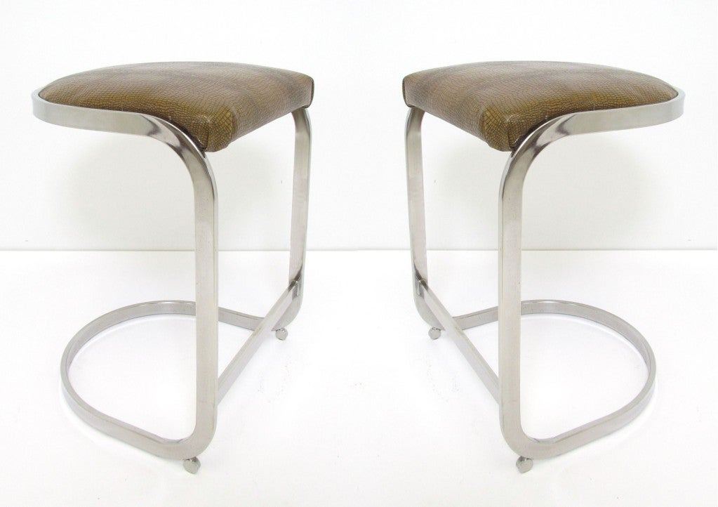 Pr Cantilever Counter Height Bar Stools In Chrome And