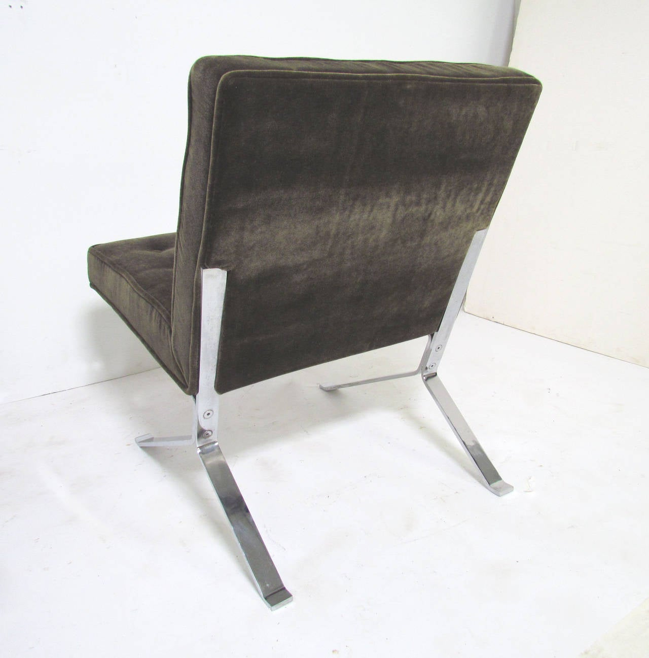 Pair Of Cantilever Lounge Chairs In Chrome And Mohair