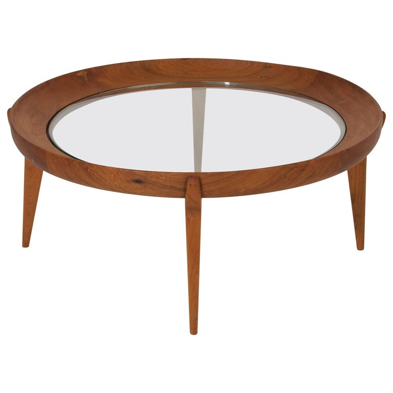 Round Solid Sculptural Caviuna Wood Coffee Table by Giuseppe Scapinelli For Sale