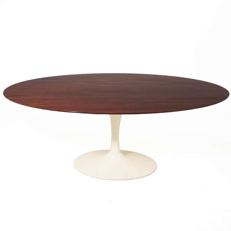 Eero saarinen tulip rosewood dining table at 1stdibs for Tulip dining table