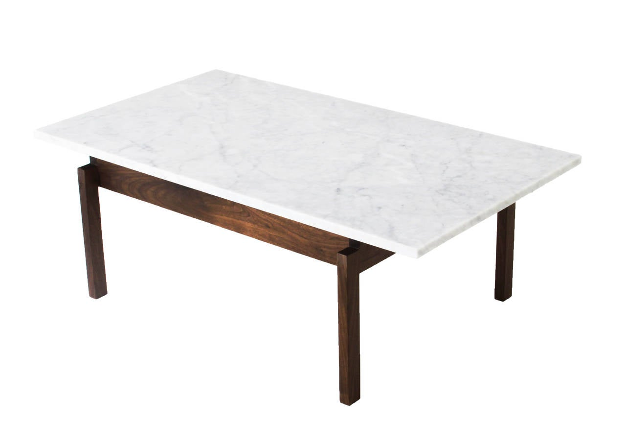 walnut coffee table with carrara marble top by thomas hayes studio at 1stdibs. Black Bedroom Furniture Sets. Home Design Ideas