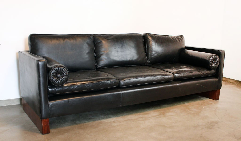 Mies van der rohe sofa legendary furniture design by mies - Mies van der rohe muebles ...