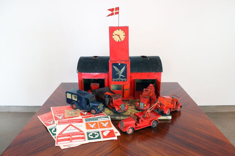 Large 1930's metal firehouse with fire engines and accessories 3