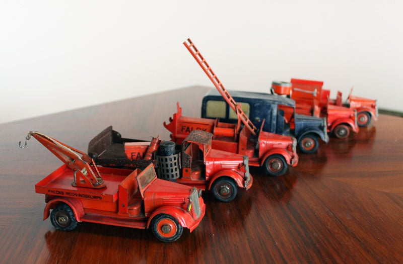 Large 1930's metal firehouse with fire engines and accessories 4