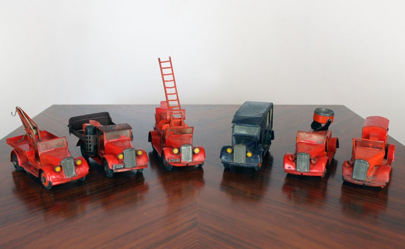 Large 1930's metal firehouse with fire engines and accessories 6