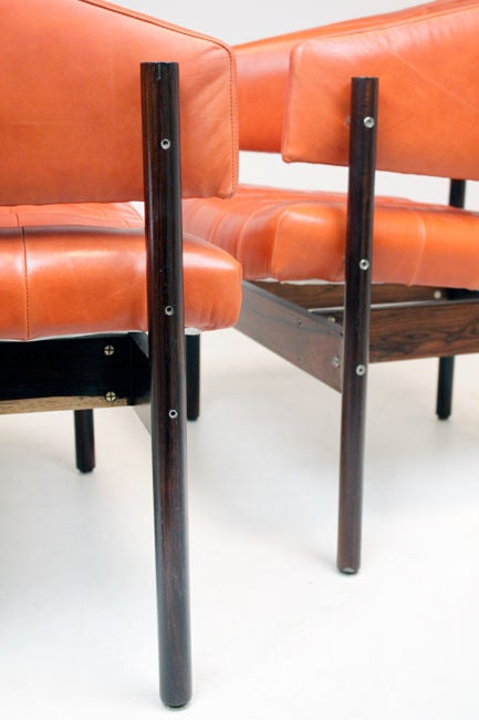 Set of Rosewood & leather arm chairs by Jorge Zalszupin image 10