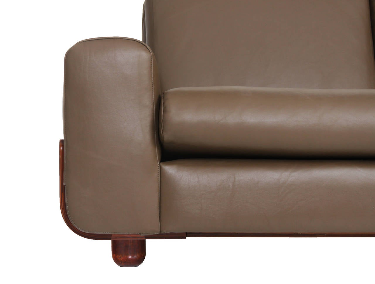Tendo Brasileira Rosewood and Leather Sofa 6