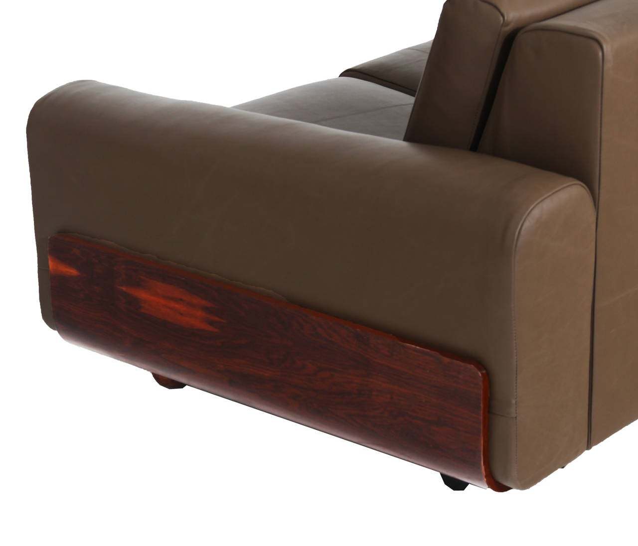 Tendo Brasileira Rosewood and Leather Sofa 7