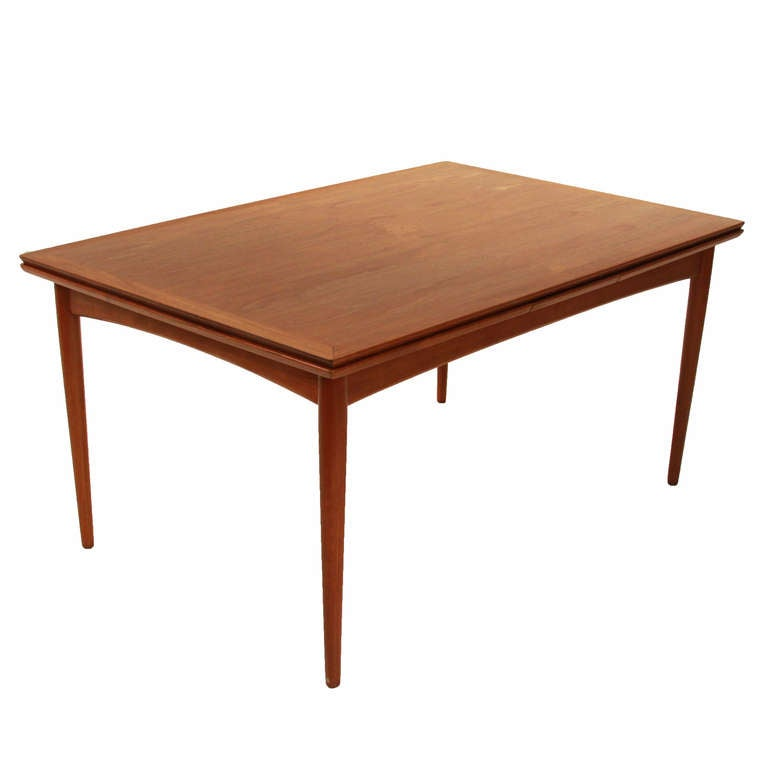 Oak Dining Room Table With  Leafs