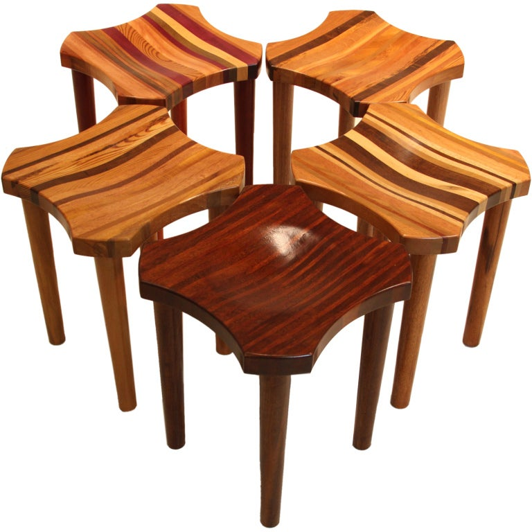 """Set of 5 Brazilian """"Lotus"""" stools from the """"Residuos"""" collection"""