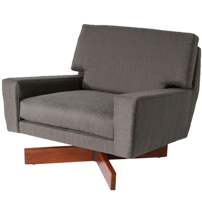Jorge Zalszupin large lounge chair at 1stdibs