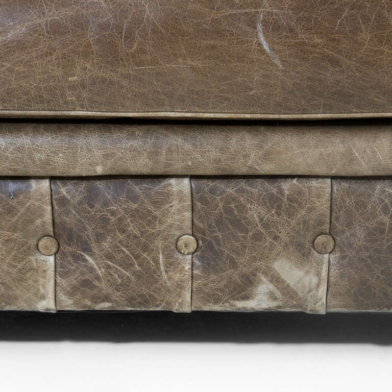 Large custom Chesterfield sofa in olive green leather For Sale 2
