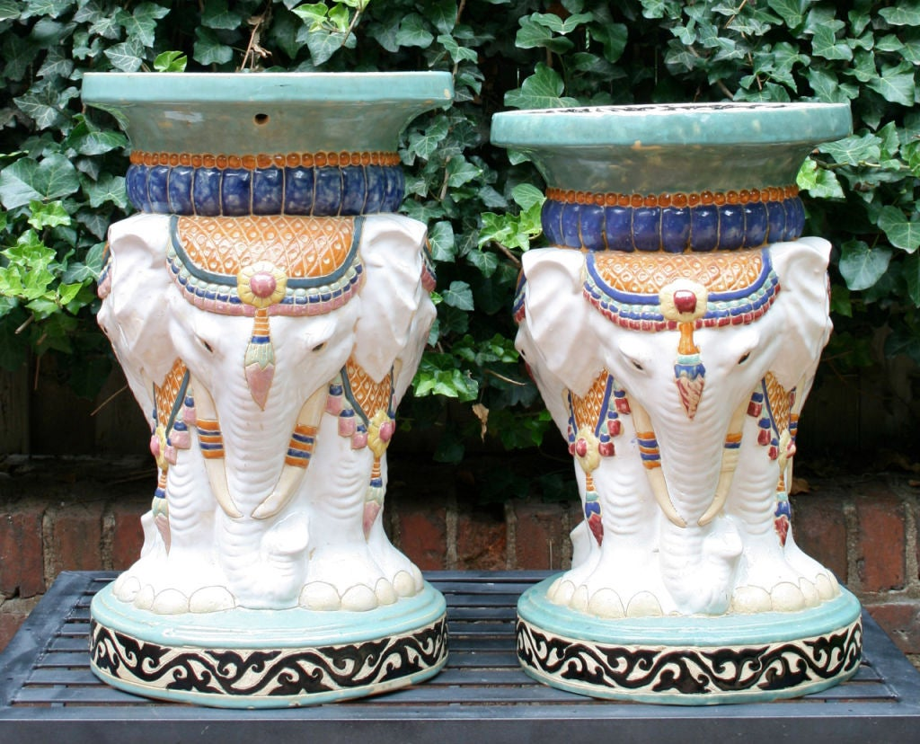 Near Pair of Elephant Garden Seats In Excellent Condition For Sale In Kilmarnock, VA