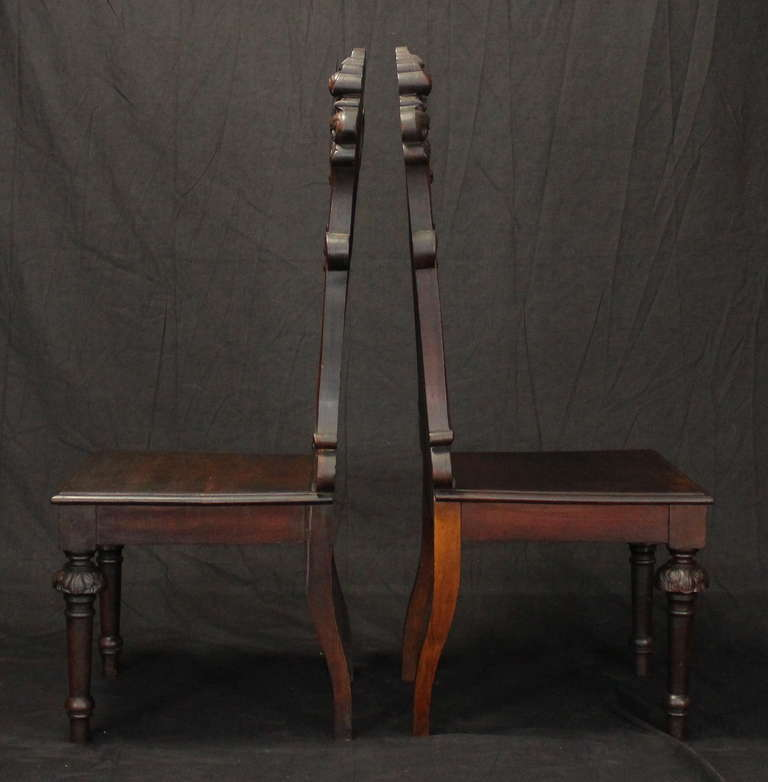 Pair of English Gothic Revival Hall Chairs In Good Condition For Sale In Kilmarnock, VA
