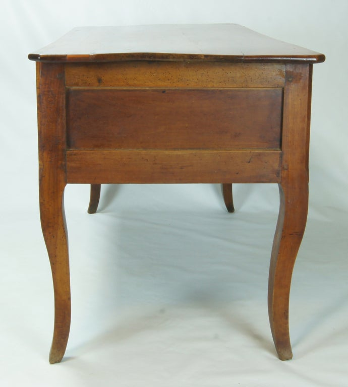Early 19th Century, French Provincial Writing Desk In Good Condition For Sale In Kilmarnock, VA
