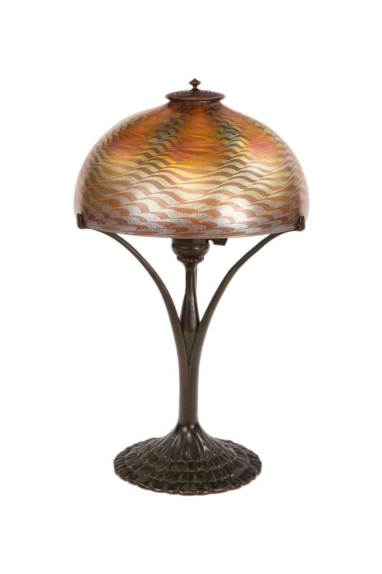 nouveau damascene desk lamp by tiffany studios for sale at 1s. Black Bedroom Furniture Sets. Home Design Ideas