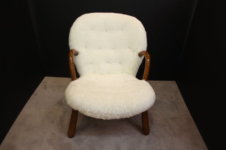 Mid Century Armchair in Button Tufted Sheepskin by Martin Olsen In Good Condition In New York, NY
