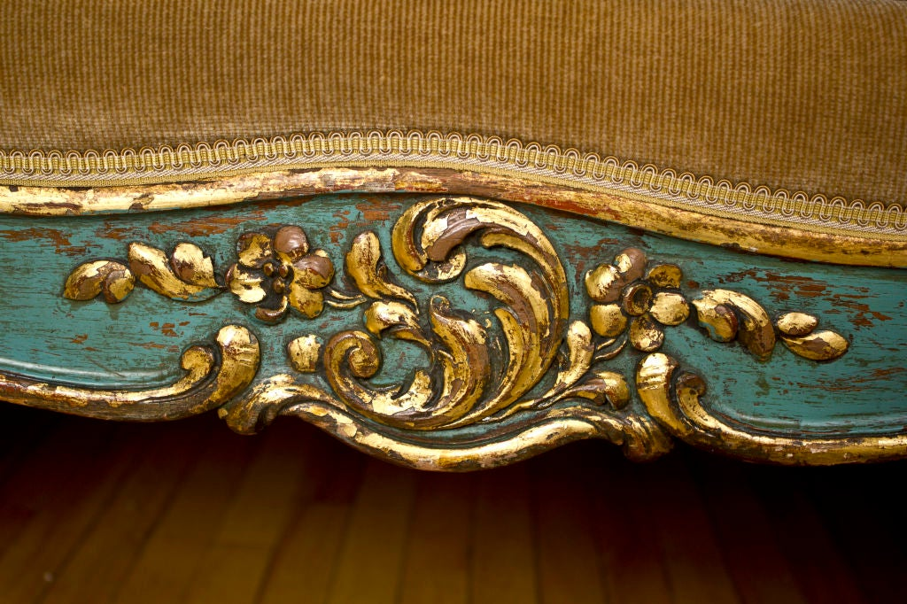 Wood Vintage Louis XV Style Daybed / Sofa For Sale