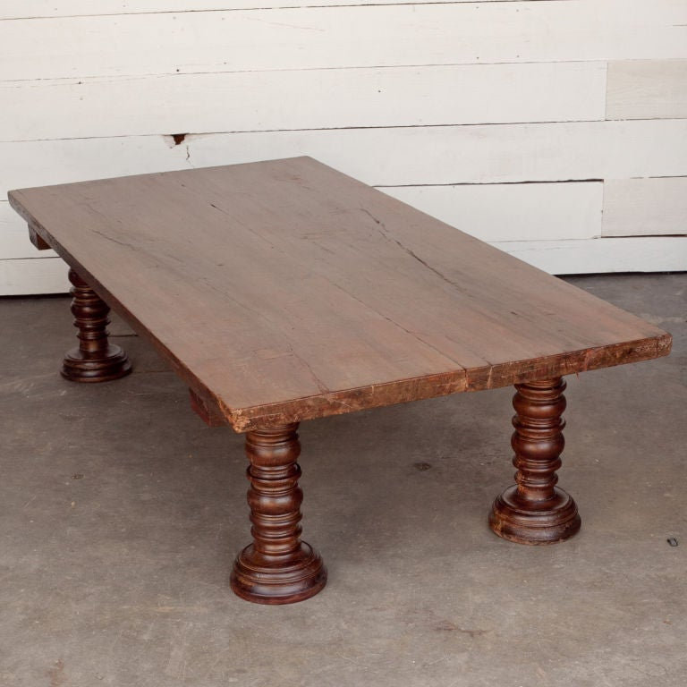 south indian solid wood low table with turned legs for sale at 1stdibs. Black Bedroom Furniture Sets. Home Design Ideas