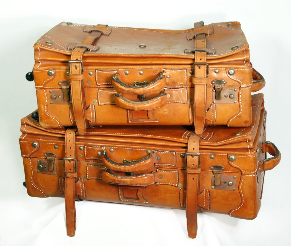 Vintage leather luggage set at 1stdibs for What to do with vintage suitcases