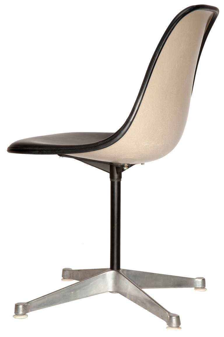 Set Of Four Eames For Herman Miller Pedestal Chairs 3