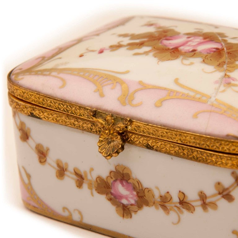 Marie Antionette Style Limoge Box For Sale 4